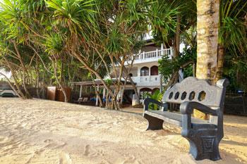 Hotel-direkte-Strandlage-Sri-Lanka-bei-Galle