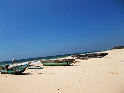 Sri Lanka, Koggala Beach, Habaraduwa Catamarane Traditionelle Fischerboote