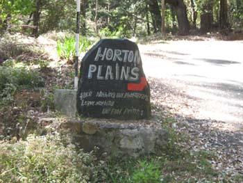 Wegweiser an der Zufahrt nach Horton Plains