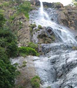 Bambarakanda Wasserfälle Falls