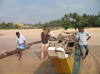 Fahrt mit Fischerboot Katamaran am Koggala Beach